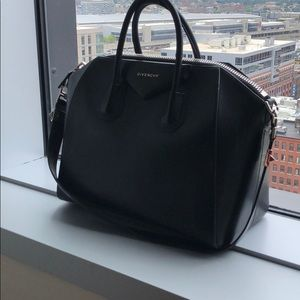 GIVENCHY ANTIGONA, Large, Black